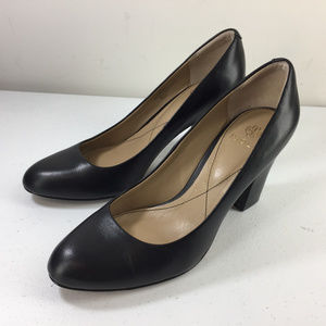 Isola 8.5 Black Leather Chunky Heels Pumps